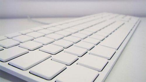 White-apple-keyboard_1