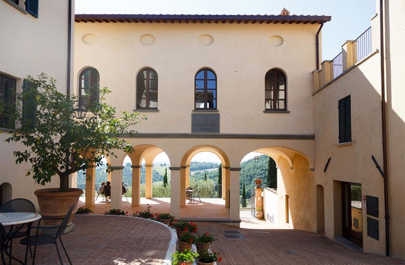 Brunello-cucinelli-solomeo-village-by-Studio-di-Sante-Castignani