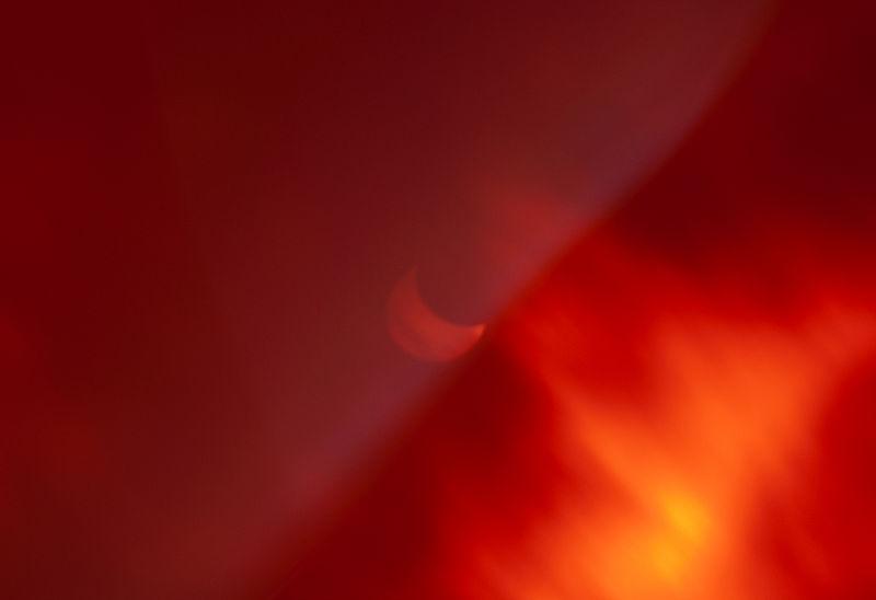 Solar_eclipse_20th,_March_2015,_in_Milano,_Italy