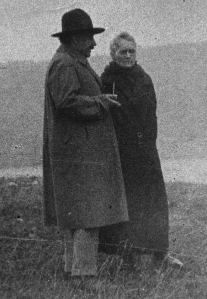 Marie_Curie_and_Albert_Einstein