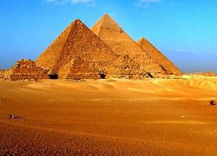 Pyramids_in_giza_2